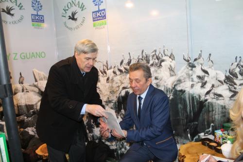 Dyrektor Urzędu Miasta Pan Marek Stachowiak na stoisku Gardenia